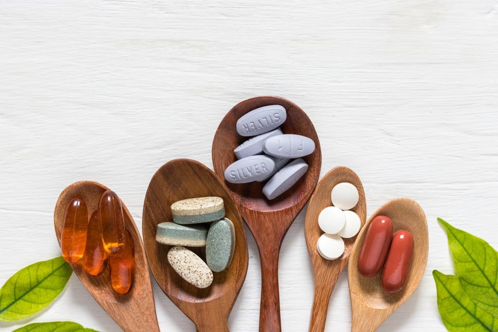 ビタミンは天然由来と合成原料でどんな違いがあるの?