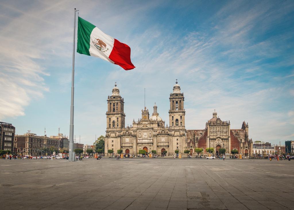 メキシコ、大麻解禁4月末まで延期に